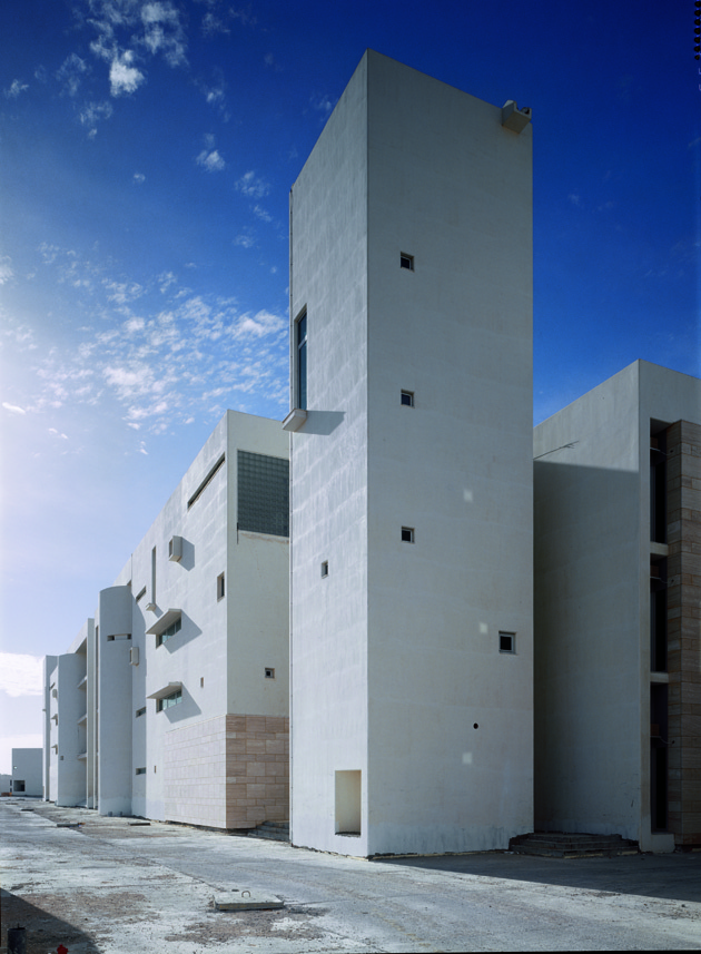 Administration Centre, Al Jufra, Libya. B&M Architects, 2002. Photo: Jussi Tiainen by courtesy of B&M.