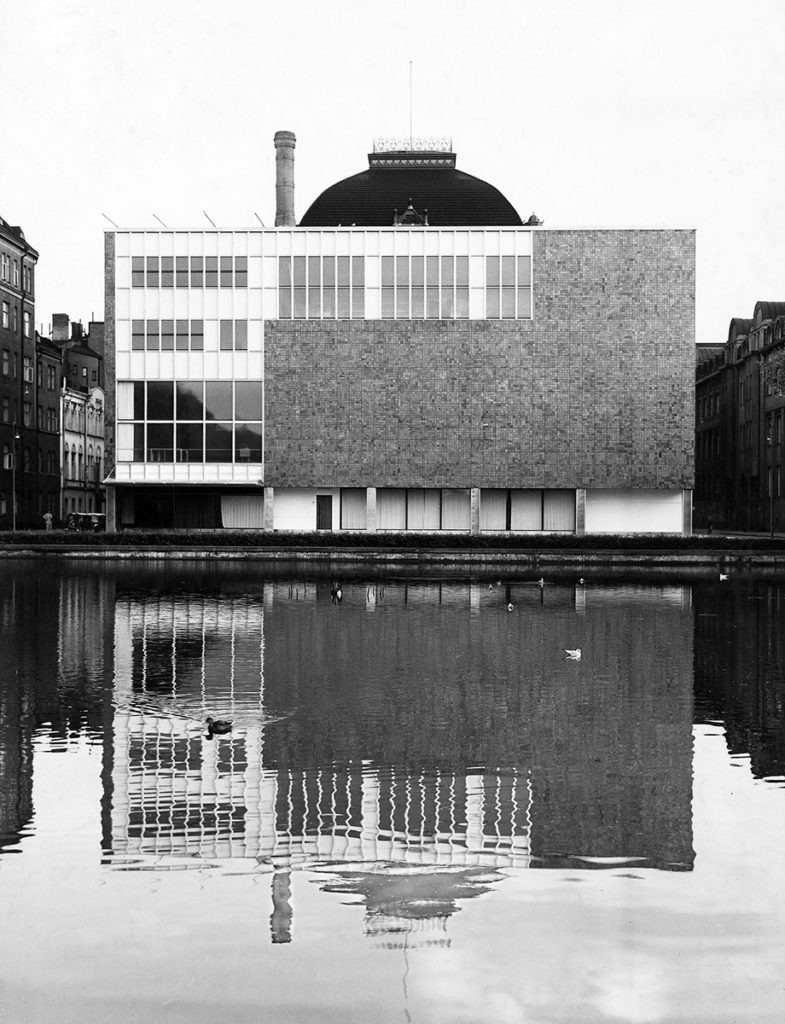 Kaija and Heikki Siren's radical 1950s extension represents the modern theatre of its time. Photo by Pietinen / MFA.